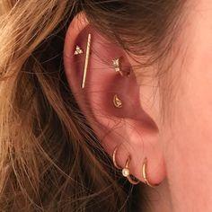 Piercings d'oreilles par @perseora