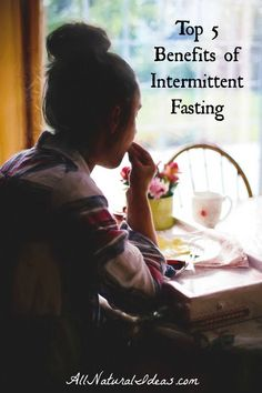 Want to lose weight and boost the functionality of your cells? Check out the top intermittent fasting benefits to boost your health! Losing Weight Tips, Weight Loss Tips, How To Lose Weight Fast, Keto Diet Benefits, Health Benefits, Health Tips, Low Carb Diet Plan, Health Resources, Fat Burning Drinks