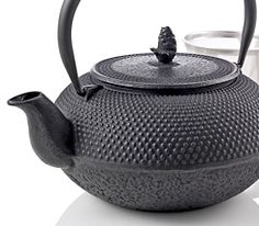 Hobnail Cast Iron Teapot Love mine...keeps hot for a long while
