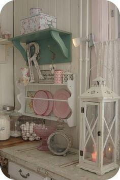 Cute Shabby Chic Kitchen, splash of turquoise