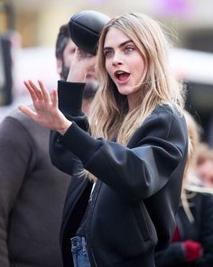 Watch out! Cara Delvingne, Face Expressions, Thomas Brodie Sangster, Poses, Dove Cameron, Zendaya, Look Fashion, Celebrity News, Celebrity Style