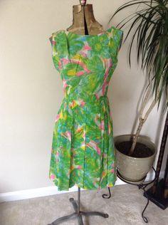Vintage Leslie Fay floral dress. 1960s vintage dress in my #etsyshop  https://www.etsy.com/listing/247445752/1960s-leslie-fay-dress-vintage-floral