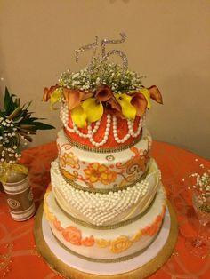 #elegant #bling #cake #panamanianpollera #pollera #roses #pearls #edible #flowers #bling #pillow