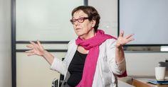 סמדר נהב, מייסדת ארגון צופן שמטרתו לחבר את החברה הערבית להיי-טק