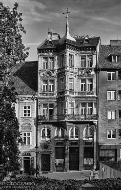 Pictografio: Town house in Bratislava Ulice, Bratislava Slovakia, Town House, Time Travel, Louvre, Europe, Exterior, Times, Architecture