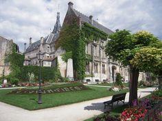 Hôtel de ville d'Angoulême © marsupilami92