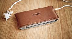 Чехол для iPhone // PORTSIDE ∙ HANDWERS // Woolfelt & leather goods