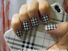 Google Image Result for http://lunchat1130.files.wordpress.com/2012/07/sally-hanson-houndstooth-salon-effects.jpg%3Fw%3D500