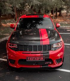 Jeep Grand Cherokee Accessories, Grand Cherokee Trailhawk, Jeep Srt8, 2017 Jeep Grand Cherokee, Jeep Photos, Charger Srt, 2016 Jeep, Range Rovers, Car Goals