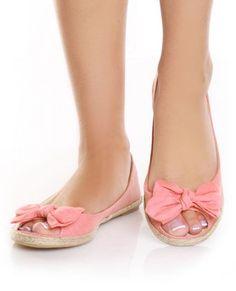 Peep toe flats...WANT!
