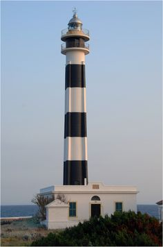 LIGHTHOUSE - Menorca. España Lighthouse Lighting, Lighthouse Photos, Beacon Of Light, Light Of The World, Water Tower, Le Moulin, Spain, Around The Worlds, Madrid
