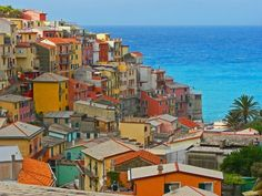 Manarola, one of five villages in the quaint Cinque Terre, Italy Oh The Places You'll Go, Great Places, Places To Travel, Beautiful Places, Places To Visit, Beautiful Pictures, Dream Vacations, Vacation Spots, Siena Toscana