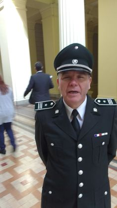 Gendarme de palacio de Justicia de santiago