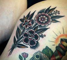 Womens leg tattoos design ideas 1 - tattoo / blumen - Tattoo Designs For Women Piercing Tattoo, 1 Tattoo, Leg Tattoos, Flower Tattoos, Body Art Tattoos, Sleeve Tattoos, Piercings, Woman Tattoos, Unique Tattoos