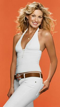 Faith hill in white tanktop and white jeans Country Women, Country Girls, Country Music, Country Singers, American Country, American Idol, Beautiful Celebrities, Beautiful People, Tim And Faith