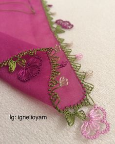 Çiçekli iğne oyası yazma Embroidery Neck Designs, Ribbon Embroidery, Tatting Patterns, Crochet Patterns, Diy And Crafts, Arts And Crafts, Chicken Scratch Embroidery, American Girl Crafts, Jewelry Design Earrings