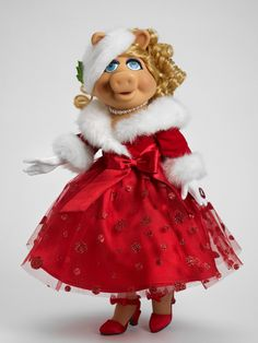 Miss Piggy wishing all a Merry Christmas
