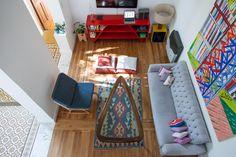 http://casachaucha.com.ar/index.php/2015/09/interiores-158-hacerla-bien/ ( pisos parqué y mayólicas)