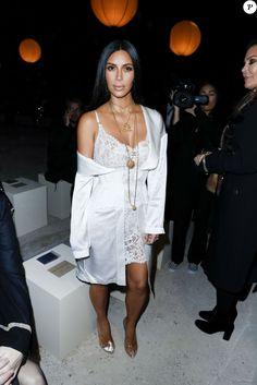 """Kim Kardashian au défilé de mode """"Givenchy"""", collection prêt-à-porter Printemps-Eté 2017 lors de la Fashion Week de Paris, France, le 2 October 2016. © Olivier Borde/Bestimage"""