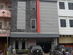 Banjarmasin Hotel Asia Baru Indonesia, Asia Hotel Asia Baru is a popular choice amongst travelers in Banjarmasin, whether exploring or just passing through. The property features a wide range of facilities to make your stay a pleasant experience. All the necessary facilities, including car park, room service, tours, laundry service, smoking area, are at hand. Guestrooms are designed to provide an optimal level of comfort with welcoming decor and some offering convenient amenit...