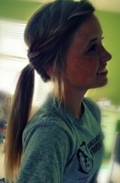 Fast and quick sporty ponytail.
