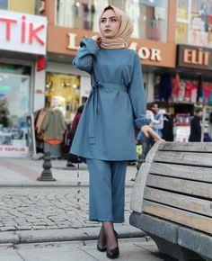 Modest Fashion Hijab, Hijab Style Dress, Pakistani Fashion Casual, Modern Hijab Fashion, Islamic Fashion, Hijab Chic, Abaya Fashion, Muslim Fashion, Fashion Dresses