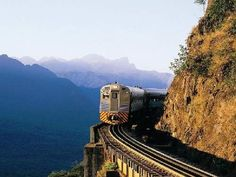 Estrada de ferro, litoral da Serra do Mar, Paraná. Brazil