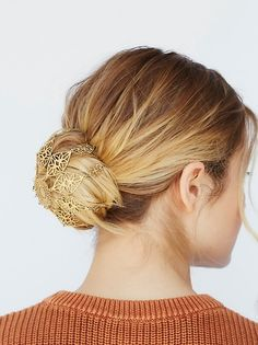 Litter SF Grace Bun Coverlet at Free People Clothing Boutique Hairstyle For Wedding Day, Wedding Hairstyles, Christmas Hairstyles, Boho Hairstyles, Hair Accessories For Women, Dream Hair, About Hair, Hair Jewelry, Bridal Jewelry