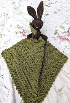 Nussekluden med Harepus – By C. Crochet Baby Mobiles, Crochet Lovey, Crochet Bunny, Baby Blanket Crochet, Crochet Crafts, Crochet Toys, Knit Crochet, Knitting Blogs, New Crafts