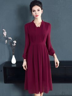 Vintage Pure Color Long Sleeve Pleated Skater Dress We share the most beautiful and new dress patter Elegant Midi Dresses, Spring Dresses Casual, Casual Dress Outfits, Mode Outfits, Modest Dresses, Trendy Dresses, Nice Dresses, Skater Dresses, Fall Outfits