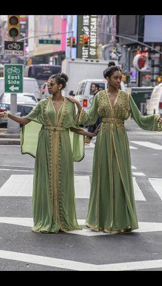 Caftan vert ~street~new-York
