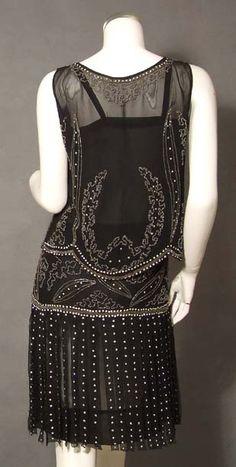 EXTRAORDINARY Beaded Black 1920's Dress Set w/ Carwash Hem. Back
