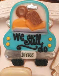 Anniversary cookie using glaze icing