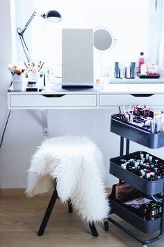 Makeup Aufbewahrung, Schminktisch, Schmink Sammlung, Beauty Bereich, Beauty Aufbewahrung, Makeup Aufbewahrung, who is mocca, beautyblog, Fashion blog, whoismocca.com