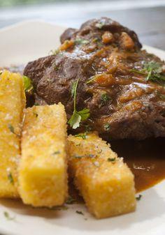 Polenta frita com queijo mascarpone: Para deixar a receita bem crocante, Carolina Ferraz usa farinha panko.