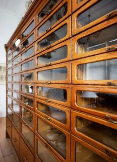 Huge Oak shop fitting cabinet from menswear store in Paris. C Features 50 graduated drawers - 45 glass fronted. Wool/material storage for the craft room Casa Clean, Shop Fittings, Haberdashery, Antique Furniture, Entryway Furniture, House Furniture, Rustic Furniture, Outdoor Furniture, Furniture Design