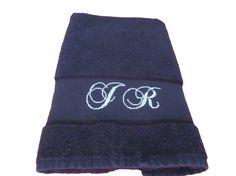 Serviette de toilette initiales brodées main au point de croix : Textiles et tapis par emilie-broderie / Alittlemarket.com
