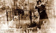 Calamity Jane at Bill Hickok's grave in 1903.