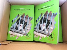 Boekje met dieren verhalen. Waargebeurde verhalen over dieren uit het asiel. Infographic, Cover, Artwork, Books, Infographics, Work Of Art, Libros, Auguste Rodin Artwork, Book