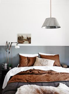 Not so keen on the grey, but interesting idea having a stripe of colour almost instead of a headboard Diy Interior, Interior Design, Decor Pad, Bachelor Pad Decor, Man Room, Lighting Store, Brown And Grey, Light Brown Bedrooms, Maine House