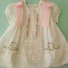 Baby Sewing Projects, Frock Design, Heirloom Sewing, Dresses Kids Girl, Cuttings, Cute Baby Clothes, Baby Dress, Kids Girls, Cute Babies