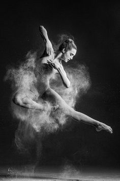 Retratos de dança explosiva de Alexander Yakovlev