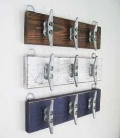 Boat Cleat Coat Rack long Wall Hooks with 6 Cleats Distressed Navy Towel Rack for Beach House or Lake House Coastal Nautical Decor - Deko Treibholz - Lake Decor, Coastal Decor, Boat Decor, Boat Cleats, Nautical Bathrooms, Small Bathroom, Boho Bathroom, Modern Bathroom, Bathroom Ideas