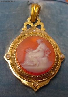 Antique Victorian 18k Gold Carved Carnelian Agate Cameo Pearl Locket Pendant