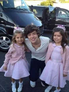 Harry with Sophia grace and rosie One Direction