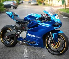 18 trendy Ideas for scrambler motorcycle ducati motorbikes Ducati Motorbike, Scrambler Motorcycle, Moto Bike, Moto Ducati, Blue Motorcycle, Motorcycle Gear, Motorcycle Accessories, Super Bikes, Vespa Scooter