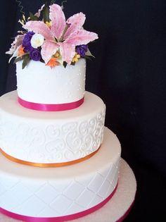 Pink Round Wedding Cakes Photos & Pictures - WeddingWire.com