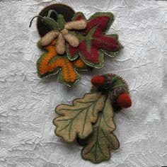 Maple & Oak Leaf Pins : DesignAndBeMary.com