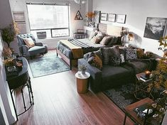 Raise your hand if you live in a studio apartment! ✋ For studio apartment dec… Raise your hand if you live in a studio apartment! ✋ For studio apartment decor and small space living inspiration, click through to hang out with … – Small Apartment Living, Rustic Apartment, Small Apartments, Small Living, One Room Apartment, Modern Living, Bachelor Apartment Decor, Apartment Ideas, Seattle Apartment