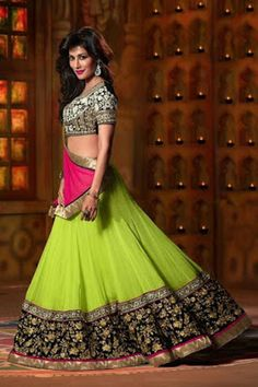 Traditional Ethnic Wear Dresses in Indian Wedding For Women http://www.fashioncluba.com/2017/05/traditional-ethnic-wear-dresses-in-indian-wedding.html